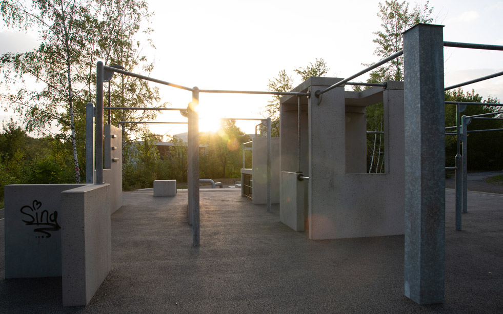 https://parador.de/media/One_Ground/Blockpage_Essen/Sidestory-2/park.jpg