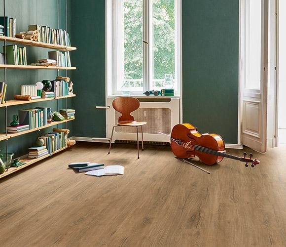 Sealing vinyl flooring