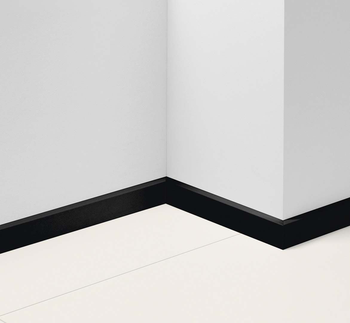 Plain black D002